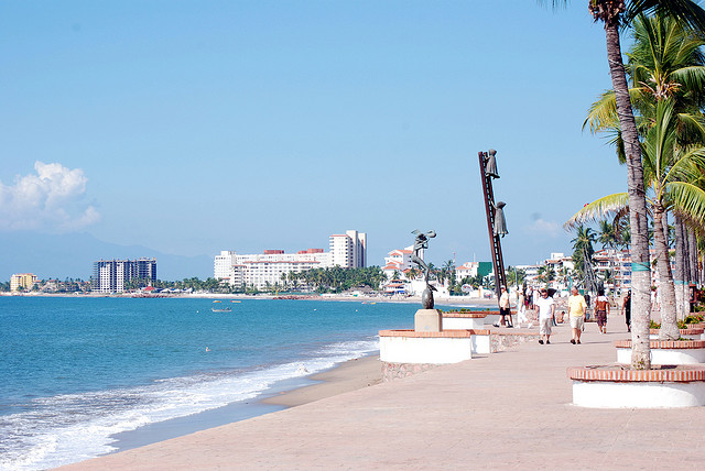 puerto-vallarta-malecon-vallarta-travel-blog