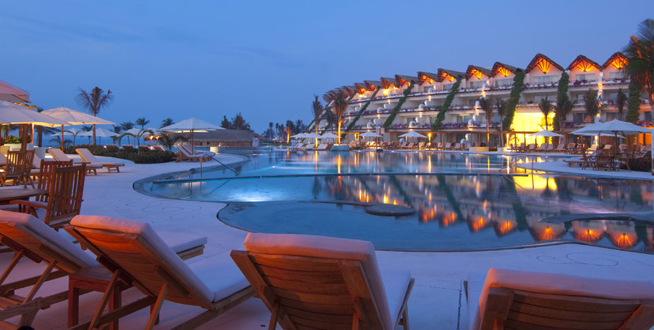 Special perks for family reunions for Top rated mexico all inclusive resorts