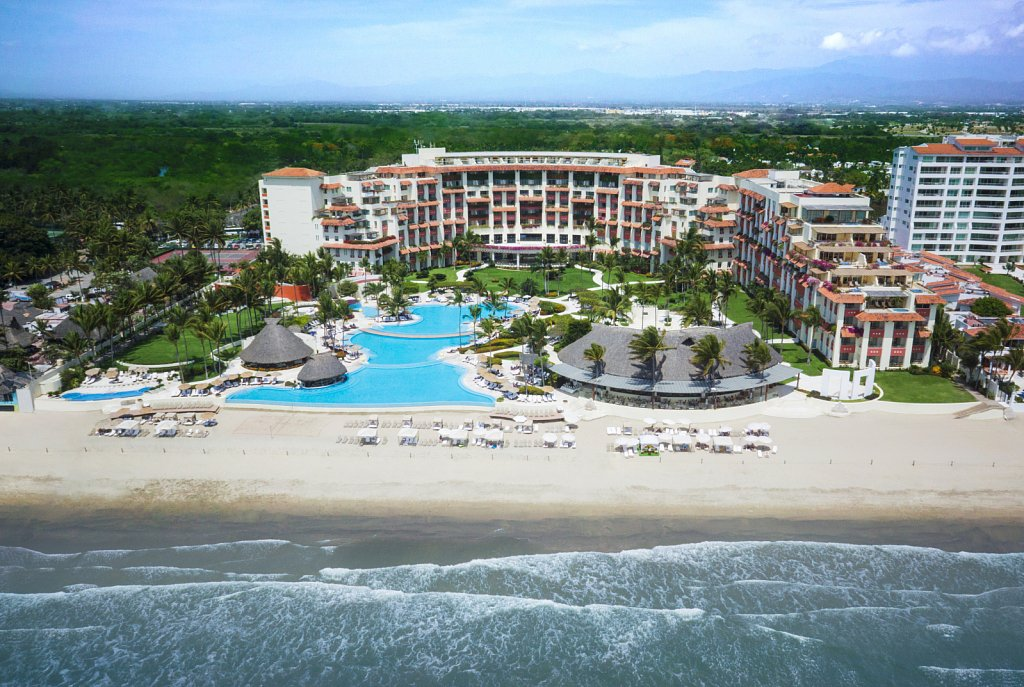 Riviera Nayarit was named Best Luxury Destination in Mexico at the Travyy Awards 2016