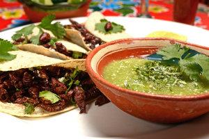 el-arrayan-restaurant-puerto-vallarta-tacos-chapulin