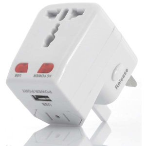universal-adaptor-with-usb