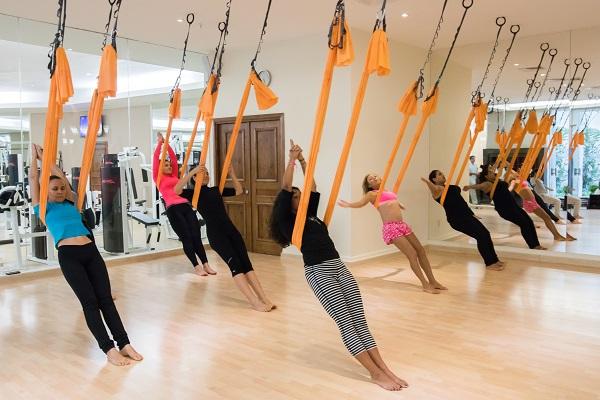 Yoga Antigravedad con Anne Marie Colon