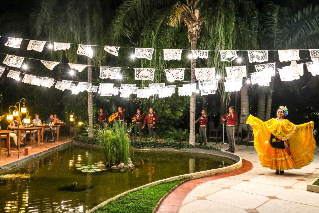 Noche Mexicana en Hotel Solo Adultos Casa Velas