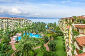 Velas Vallarta, located in the heart of Puerto Vallarta, is a great retreat for a family getaway.