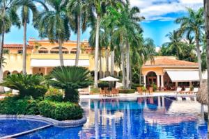 Hotel Solo Adultos Casa Velas, Puerto Vallarta México
