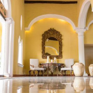 El lobby estilo hacienda de Casa Velas