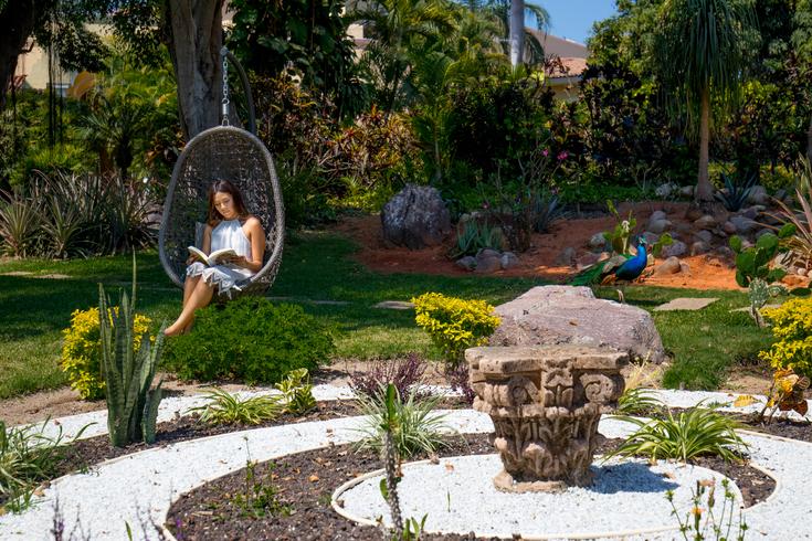 Laberinto de los elementos en el jardín botánico de Casa Velas en Puerto Vallarta